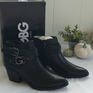 Ankle boots (Black) by Guess